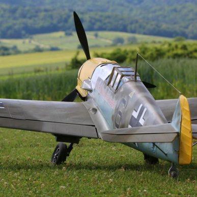 """Messerschmitt BF-109 <span class=""""focuspoint2"""">E4</span><b> 1/4</b>"""