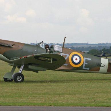 "Spitfire MK<span class=""focuspoint2""> I</span>  <b>1/4 </b>"