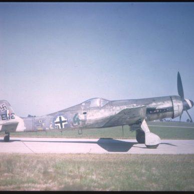 "Focke-Wulf  <span class=""focuspoint2"">TA-152H</span> <b>1/4 </b>"